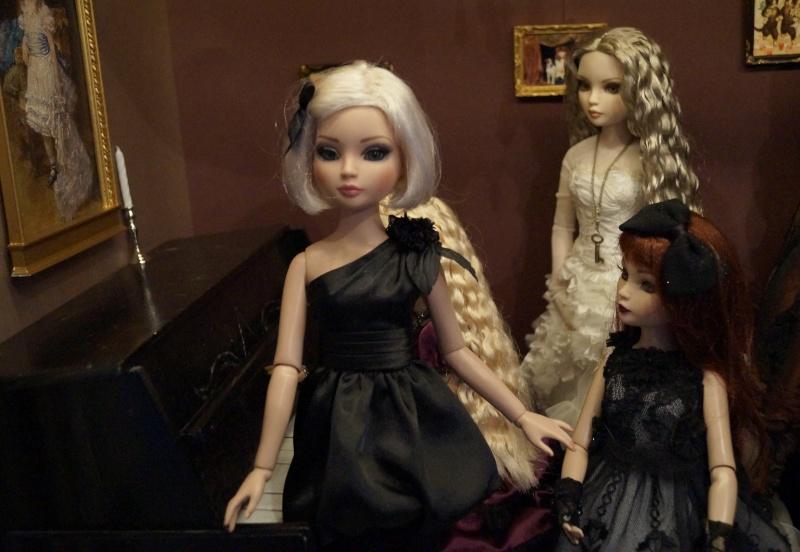 THEME DU MOIS DE NOVEMBRE 2013 : Ellowyne et sa petite robe noire - Page 2 Dsc02519