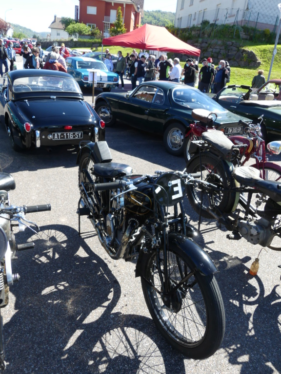 (88)Rassemblement Mensuel Club Rétro Loisirs à La Bresse - Page 14 P1000520