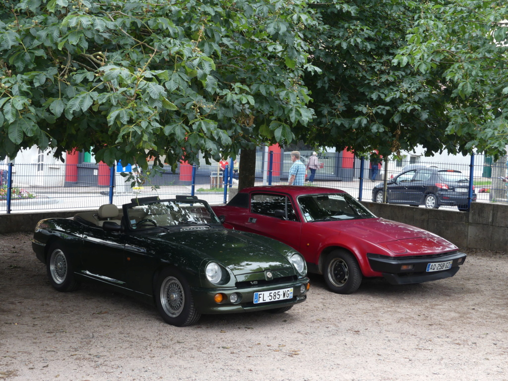 (88)Rassemblement Mensuel Club Rétro Loisirs à La Bresse - Page 15 P1000568