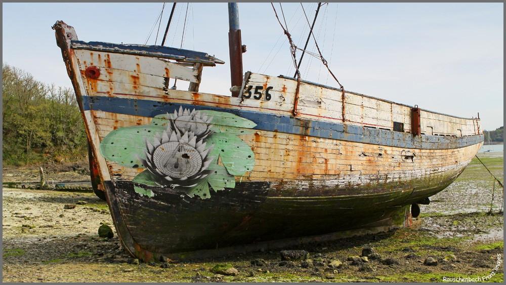 Fin de vie .... Cimetières de bateaux .... - Page 2 Img_8313