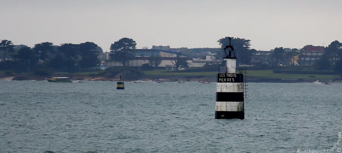 Phares et balises en rade de Lorient Les_tr11