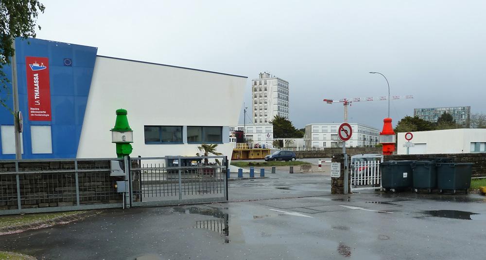 Lorient- DDE 56 - département des phares et balises. P1030210