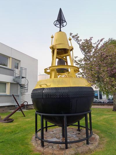Lorient- DDE 56 - département des phares et balises. P1030211