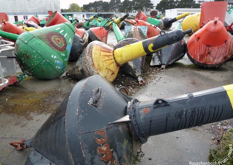 Lorient- DDE 56 - département des phares et balises. P1030212