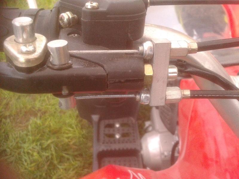 Couplage des freins sur une seule poignée 20131014
