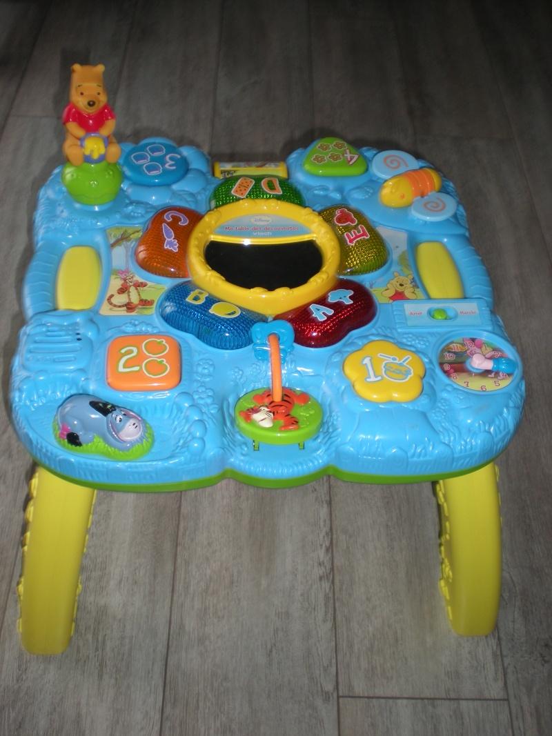 Table d'éveil Winnie l'Ourson 15 € Dscn8210