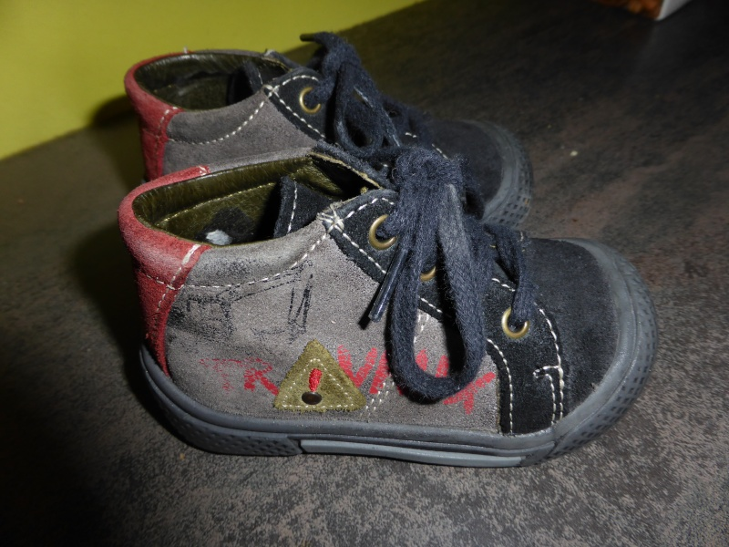 Chaussures pointure 19 P1000211
