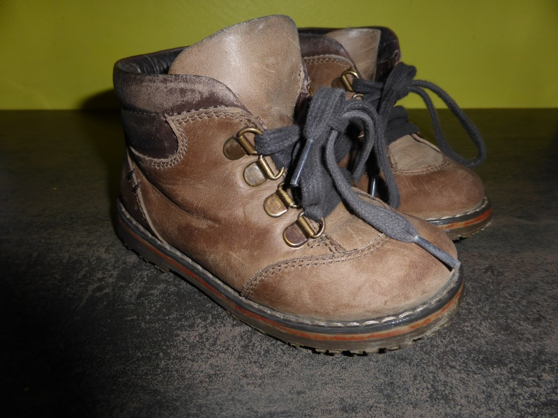 Chaussures pointure 23 P1000212