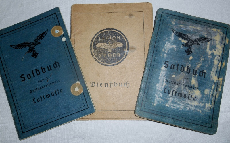 Vos livrets militaires allemands WWII (Soldbuch, Wehrpass..) / Heer-LW-KM-SS... 00225