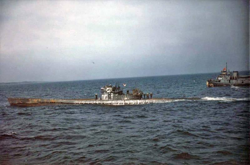 Das U-Boot im color 13976610