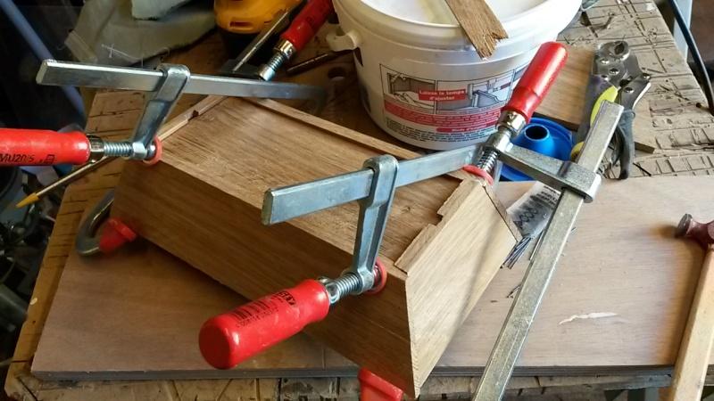 Fabrication d'une mini caisse à outils 20131230