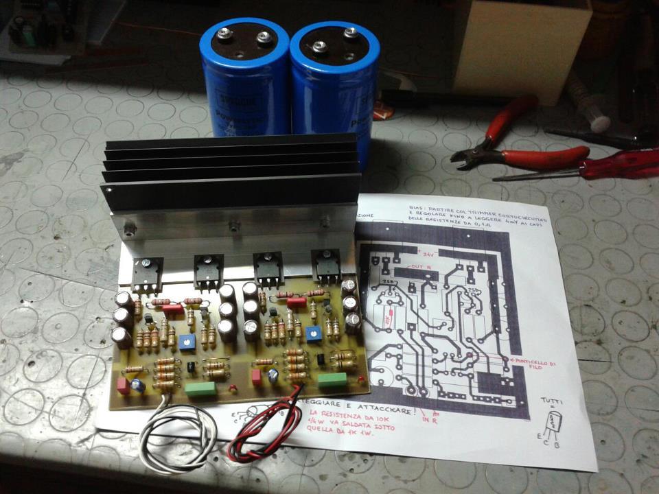 Amplificatore su base Hitachi pubblicato su CHF  10866_10