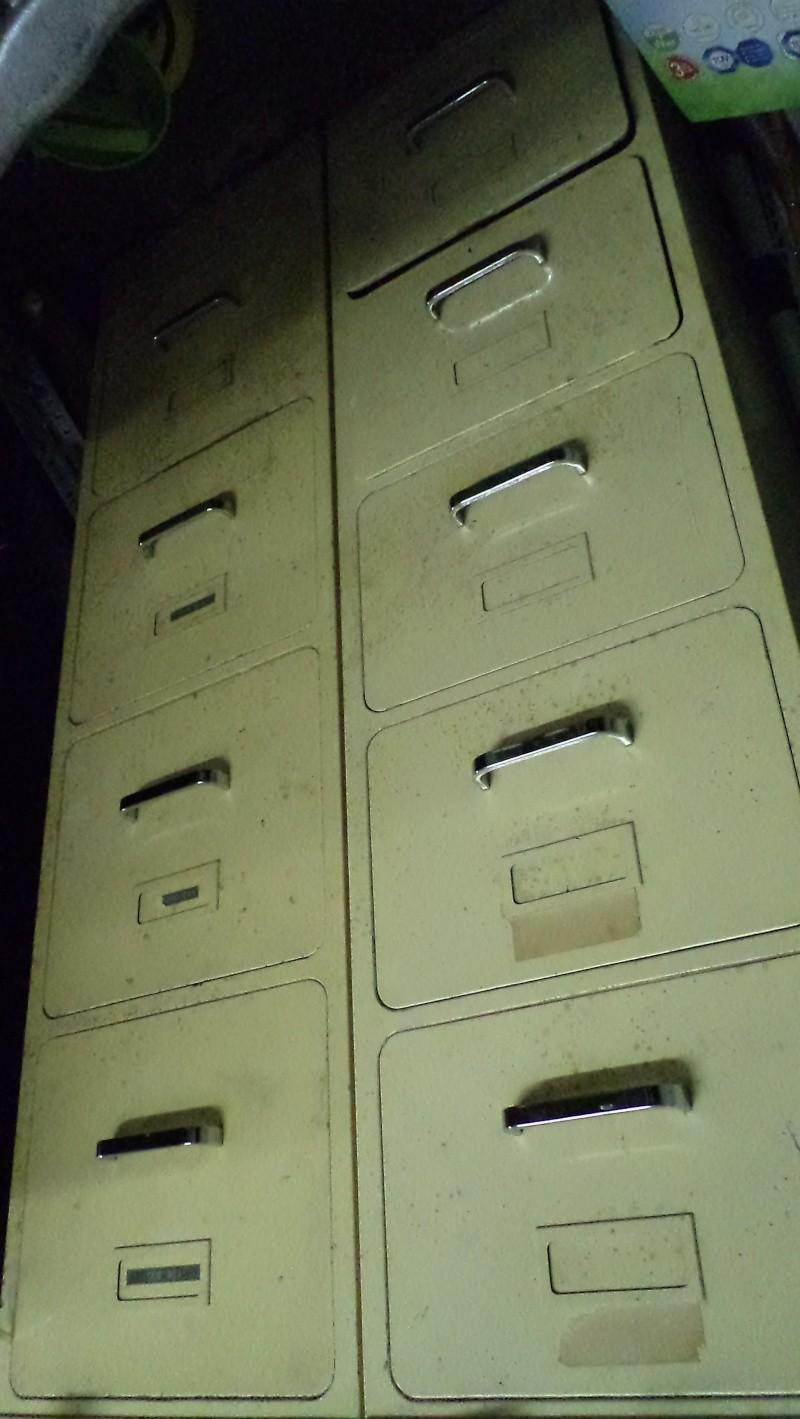 Recherche rangement de cartouches  Dsc01427