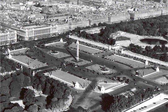 La place Louis XV, puis place de la Révolution, puis place de la Concorde au XVIIIe siècle - Page 2 710
