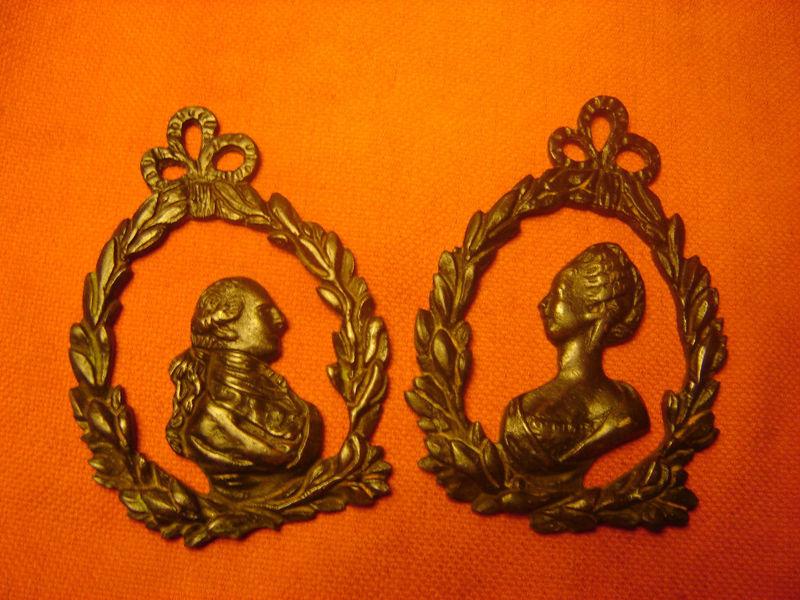 Marie-Antoinette - Divers en vente sur eBay et Le Bon Coin - Page 3 Accroc12