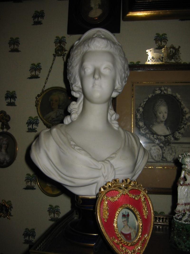 "Michèle Lorin : ""Marie-Antoinette, ma collection particulière "" Buste_12"