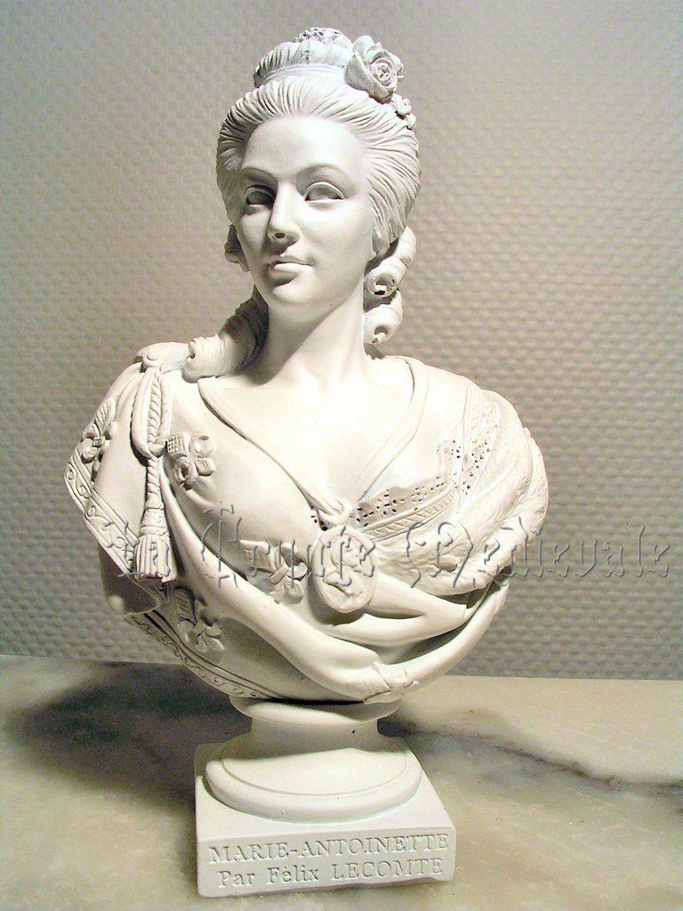 Bustes de Marie-Antoinette non attribués Lecomt11