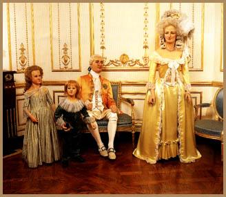 Marie Antoinette, chez Madame Tussaud - Page 2 Tussea10