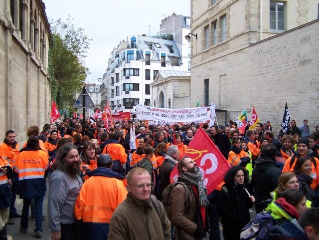 Appel à la grève et à la manifestation le mardi 19 novembre 2013 102_3010
