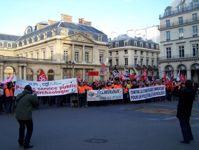 Appel à la grève et à la manifestation le mardi 19 novembre 2013 102_3012