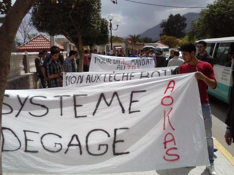 Marche contre le système à Aokas . - Page 2 10154910