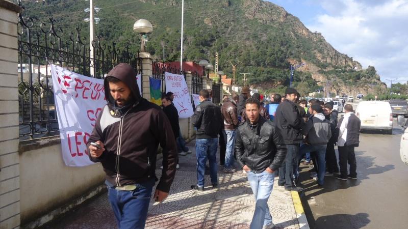MOZABITES - Rassemblement de solidarité avec les mozabites à Aokas le mardi 11 fevrier 2014 (6) Dsc00512