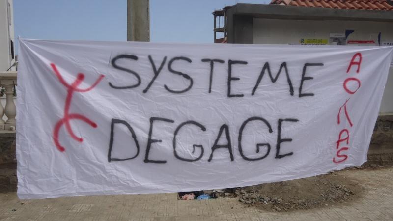 Marche contre le système à Aokas . Dsc00766