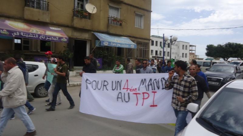 Marche contre le système à Aokas . Dsc00770