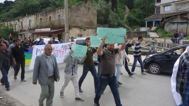 Marche contre le système à Aokas . Dsc00813