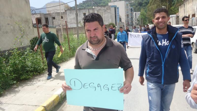 Marche contre le système à Aokas . Dsc00822