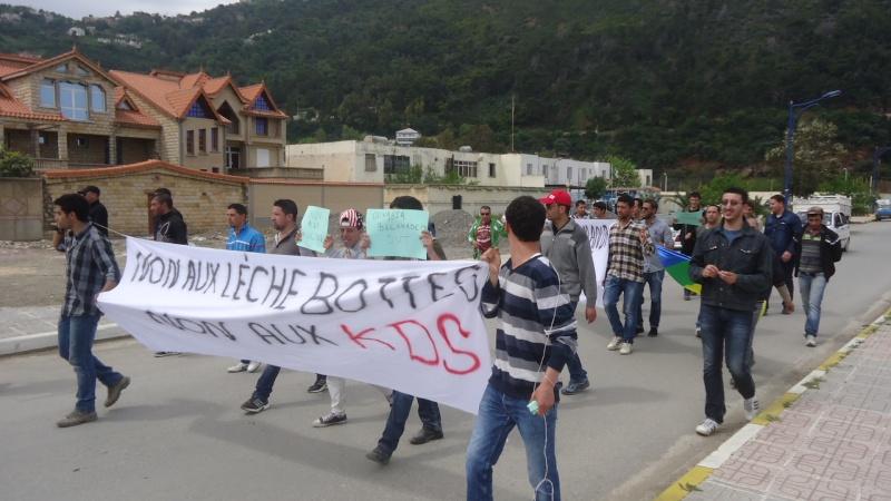 Marche contre le système à Aokas . Dsc00824