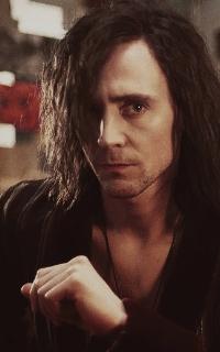 Tom Hiddleston 2510