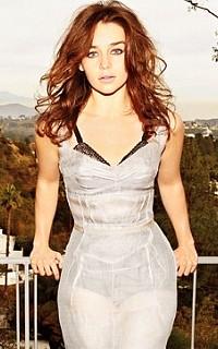 Emilia Clarke avatars 200x320 pixels 5311