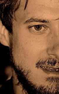 Arthur Darvill #015 avatars 200*320 pixels 911