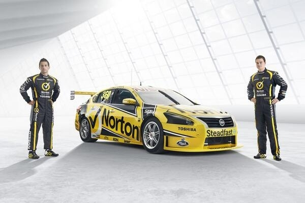 V8 SuperCars - Page 3 0210-111