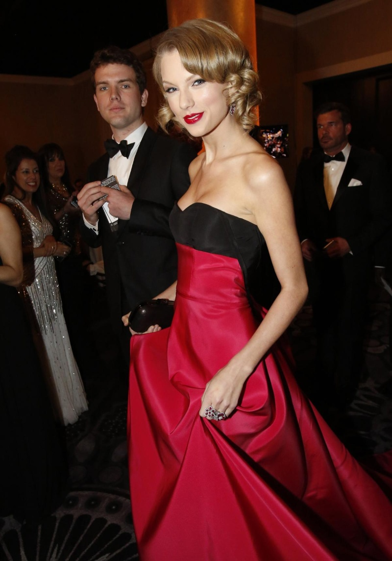 Golden Globe Awards - Page 11 1200x22