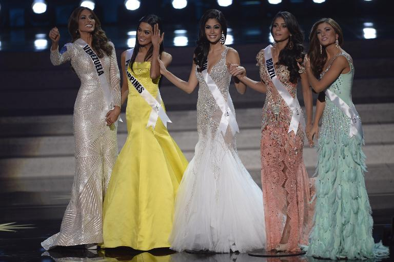 Miss Universe - Page 22 69628511