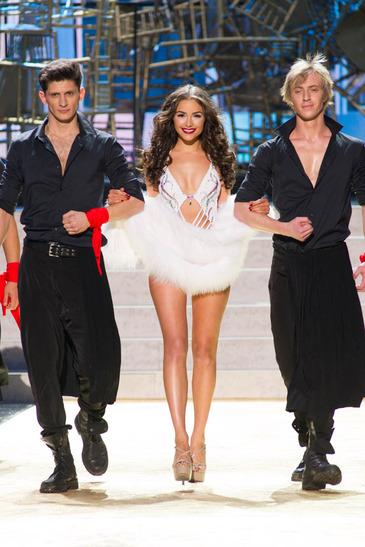 Miss Universe - Page 20 Pu_1_220