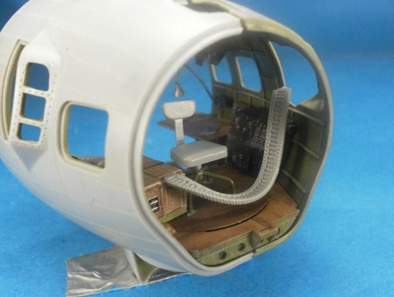 B 17G HK model 1/32° Nez10