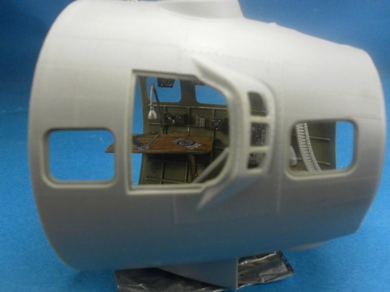 B 17G HK model 1/32° Nez310