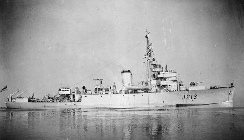 Divers : Algerine class minesweeper + PLAN et monument - Page 4 Hms_al11