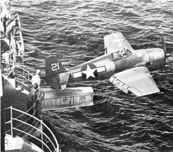 Porte-avions et catapulte ? F6f_ho10