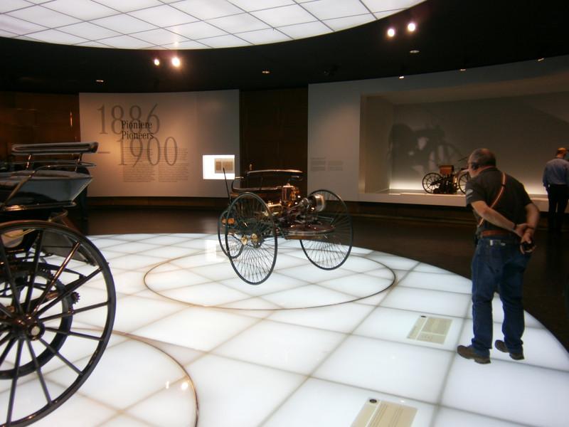 Im Mercedes-Benz Museum P9210014