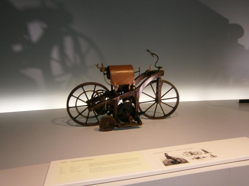Im Mercedes-Benz Museum P9210015