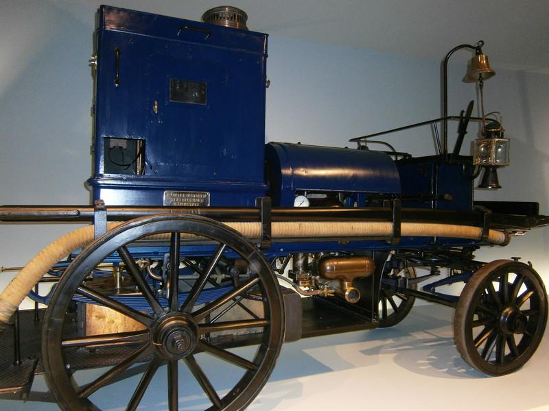 Im Mercedes-Benz Museum P9210018