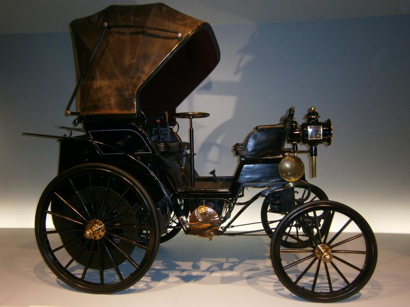 Im Mercedes-Benz Museum P9210022