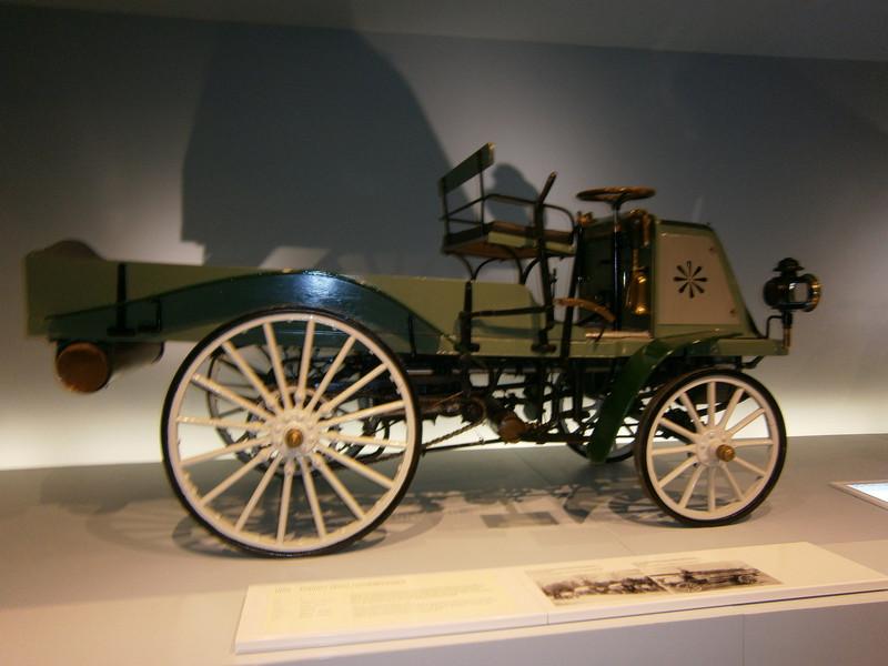 Im Mercedes-Benz Museum P9210024