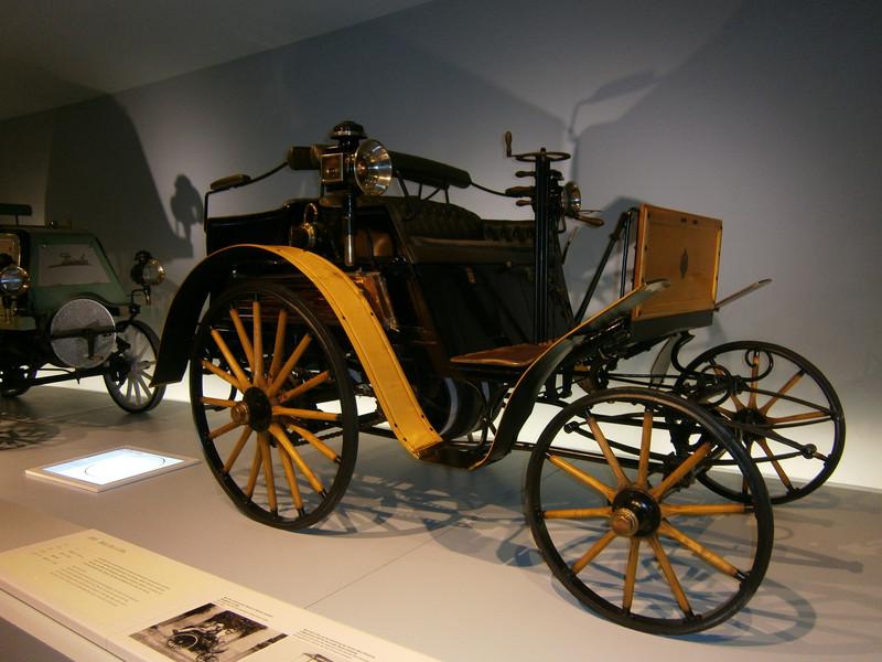 Im Mercedes-Benz Museum P9210025