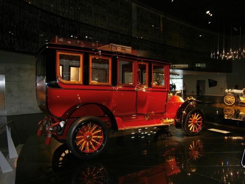 Im Mercedes-Benz Museum P9210028