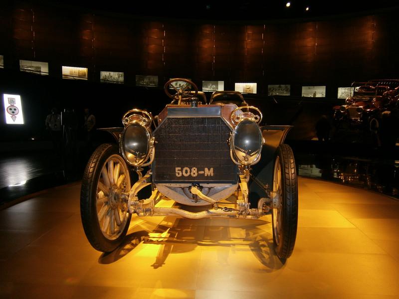 Im Mercedes-Benz Museum P9210032